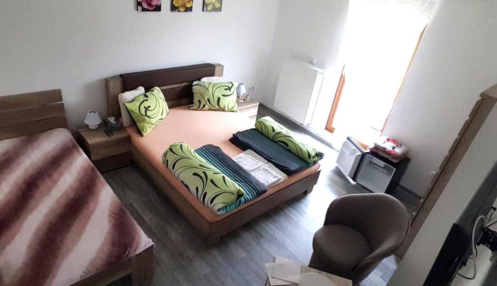 Trojlôžková izba
